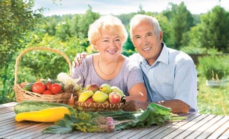 Супружеская пара и полезная еда