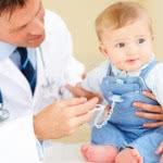 Первое, что нужно сделать при поносе и повышении температуры у ребенка
