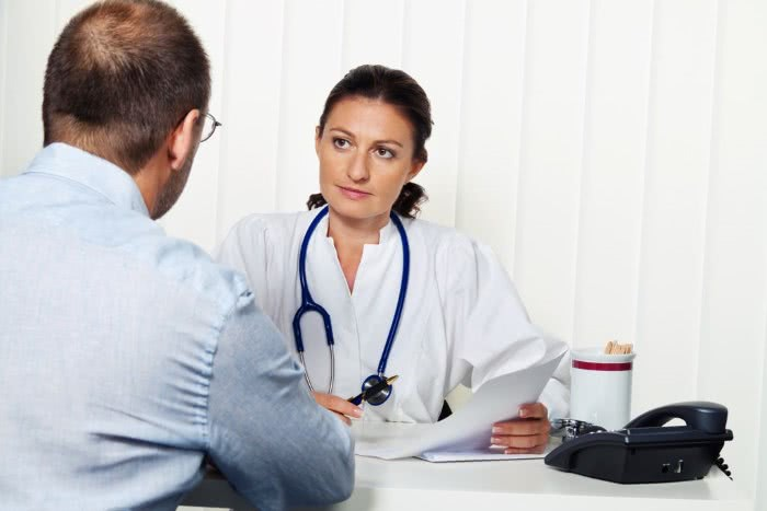Кровоточащий геморрой лечение признаки