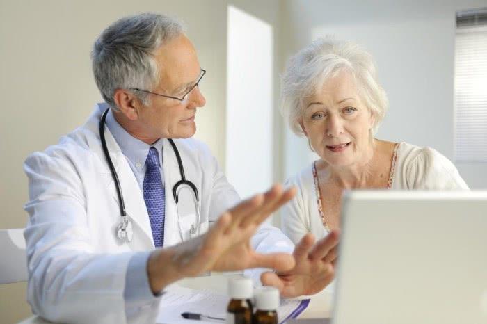 Беседа врача и пациента