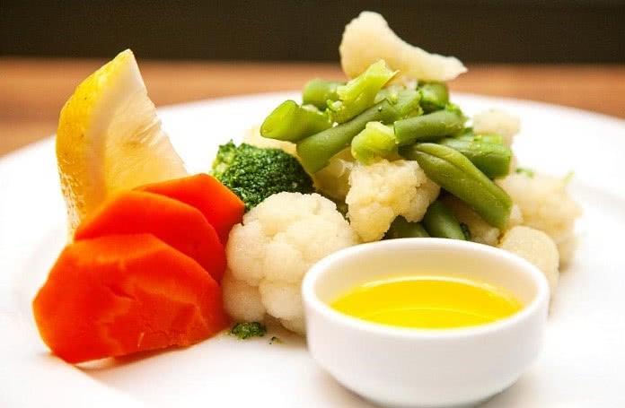 Отварные овощи с маслом