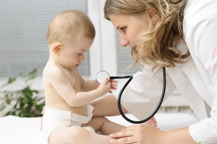 Маленький ребенок и педиатр