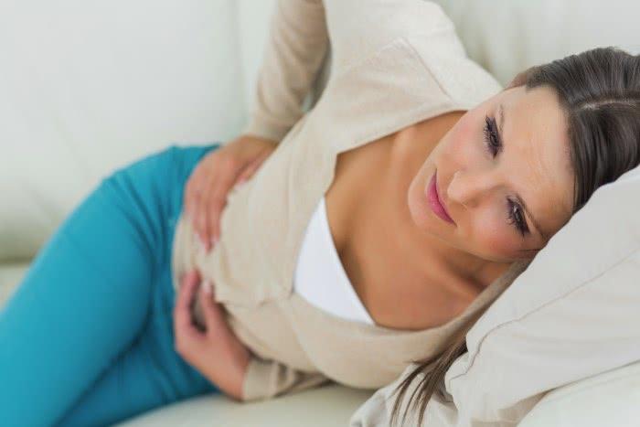 Симптомы острого колита: боль живота